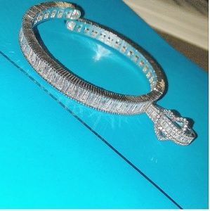 Jewelry - Dazzling baguette diamond ring and bracelet set